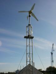 Windgenerator im Mast